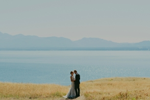 sea breeze lodge hornby island wedding