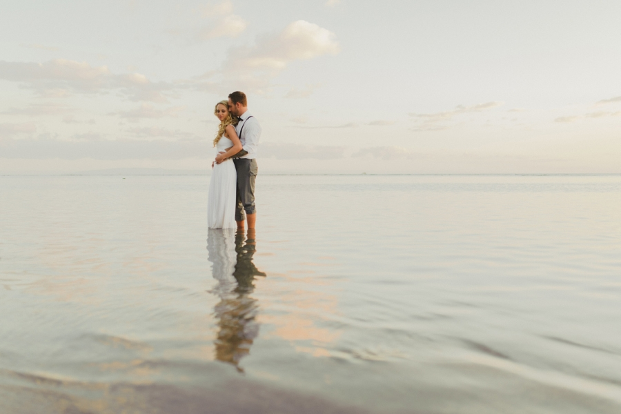 maui hawaii destination wedding bride & groom romantic beach sunset