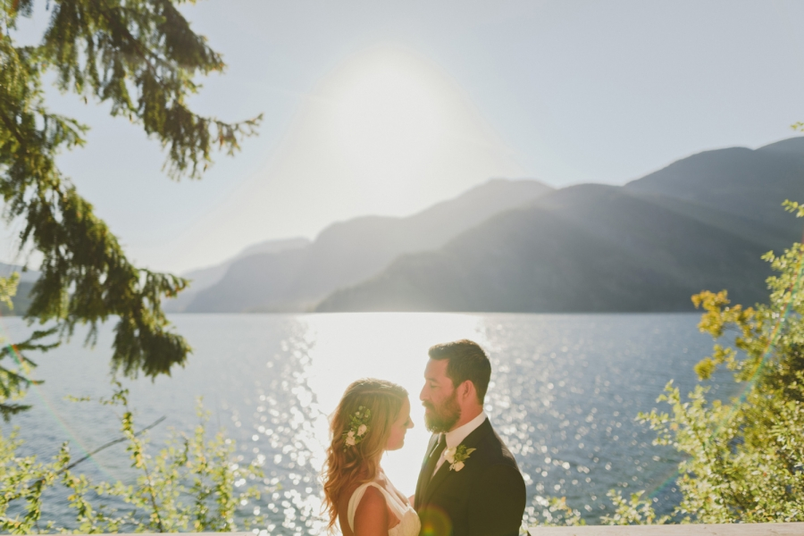 strathcona park lodge summer wedding