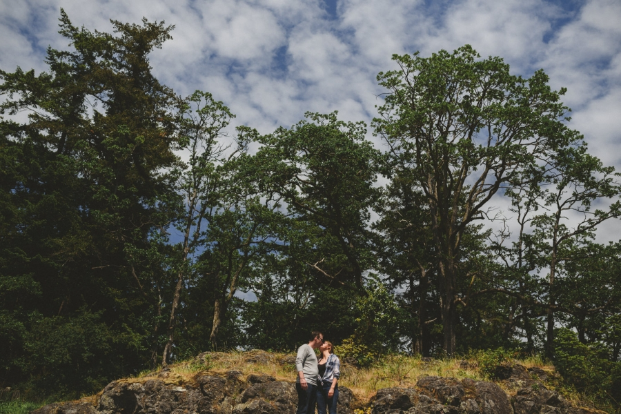 neck point park nanaimo engagement session couple on beach