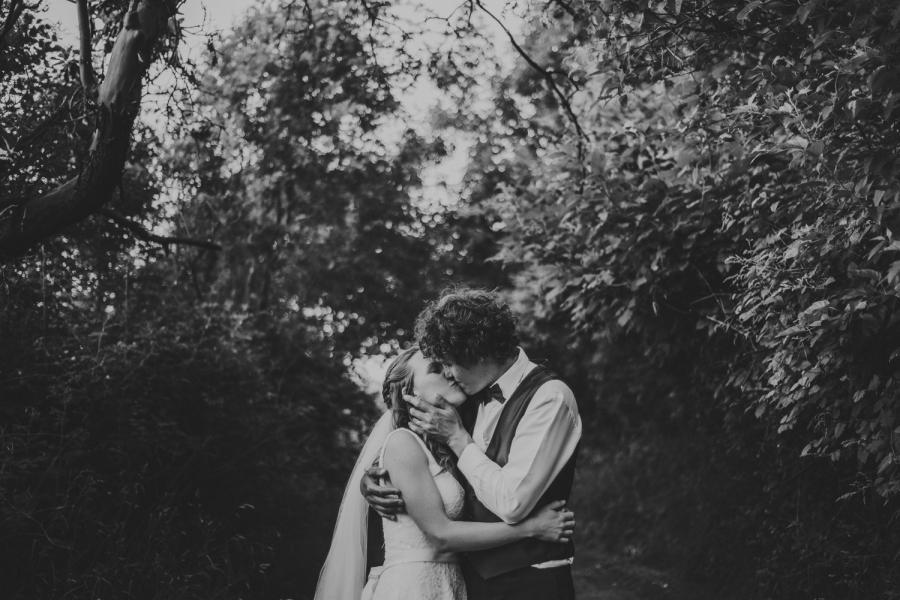 sea breeze lodge hornby island wedding bride & groom kissing